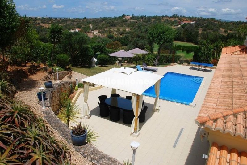 Large 4-bedroom villa at a immaculately kept golf resort near Carvoeiro